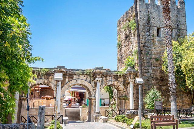 Antalya' daki Tarihi Yapılar
