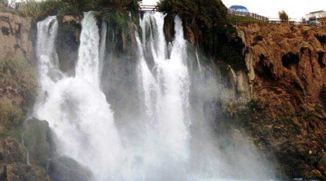 Düden Kıyı Şelalesi