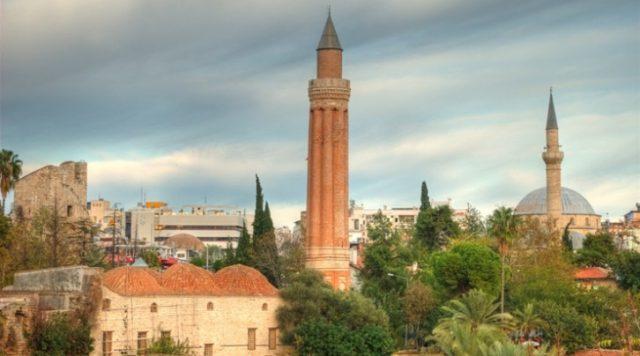 Yivli Minare Camii