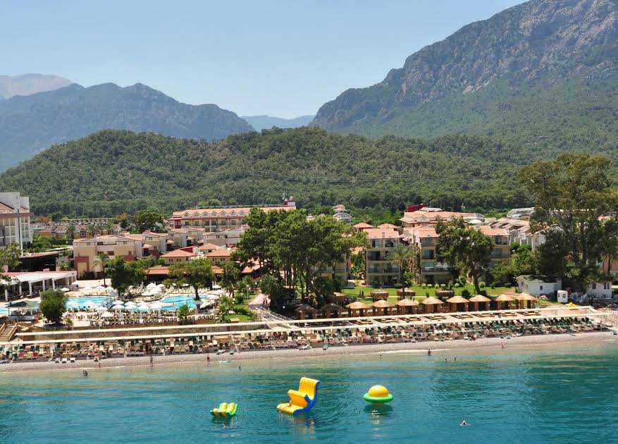https://www.geziantalya.com/wp-content/uploads/2020/12/crystal-aura-beach-resort-spa.jpg