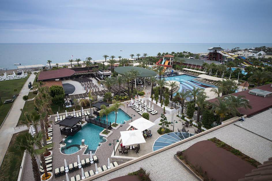 https://www.geziantalya.com/wp-content/uploads/2020/12/crystal-family-resort-spa.jpg