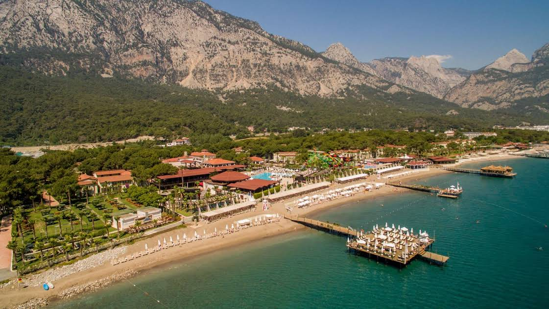 https://www.geziantalya.com/wp-content/uploads/2020/12/crystal-flora-beach-resort.jpg