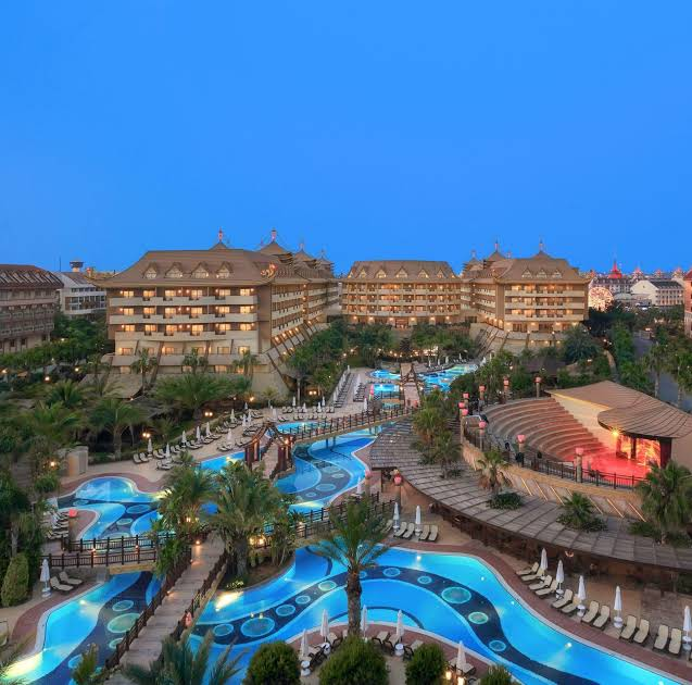 https://www.geziantalya.com/wp-content/uploads/2020/12/royal-dragon-hotel.jpg