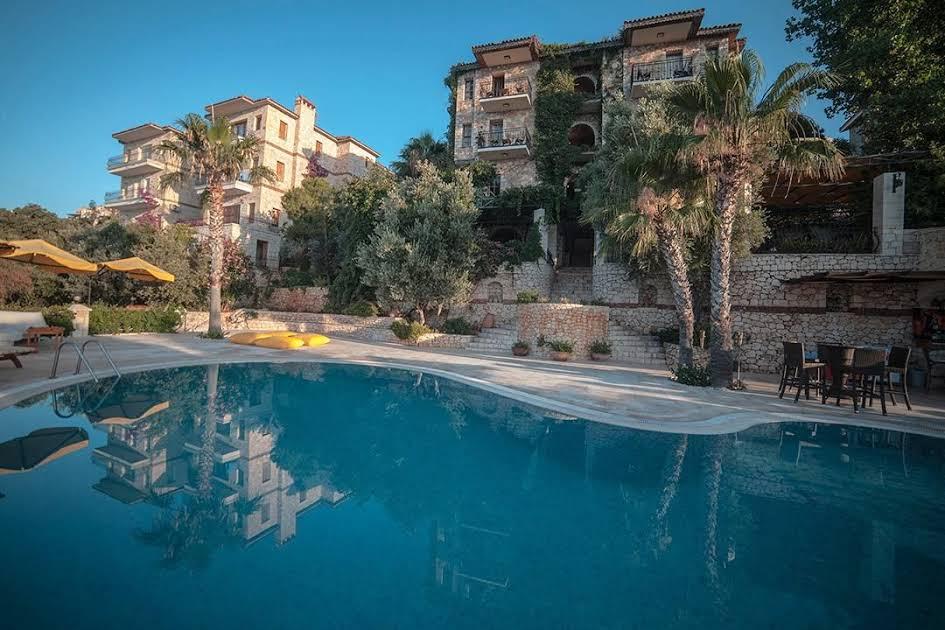 https://www.geziantalya.com/wp-content/uploads/2020/12/villa-tamara-hotel-1.jpg